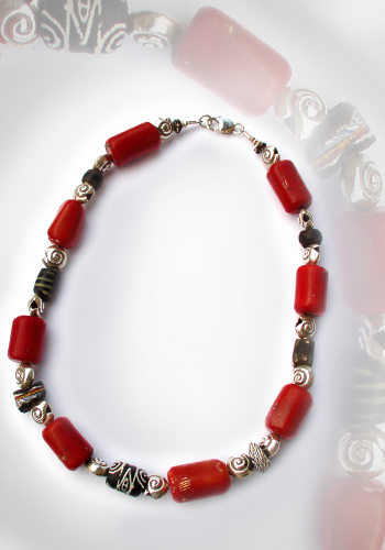 Halskette Millefiore und Koralle